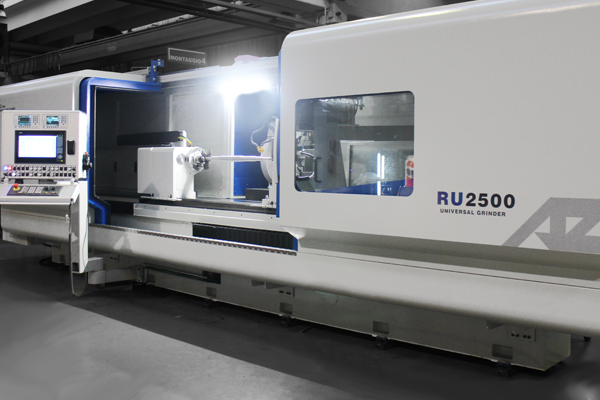 RU2500 CNC Universal grinding machines, table moves